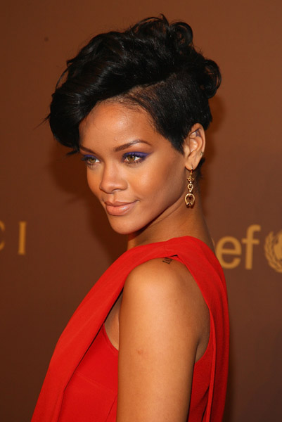 Rihanna attends the launch of the Tattoo Heart Collection to Benefit UNICEF cocktail reception at Gucci on November 19, 2008 in New York City.