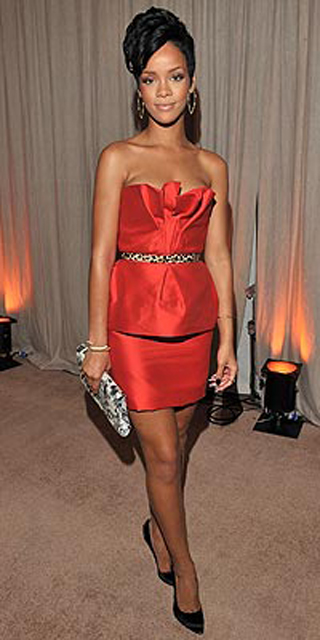 rihanna-in-red-monique-lhullier
