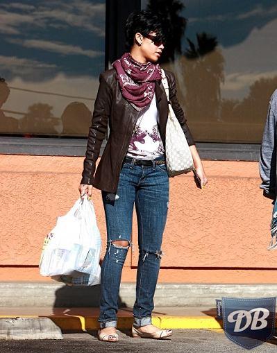 elliott-skinny-jeans-1000x0400x509