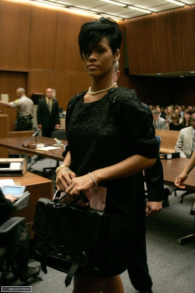 gallery_enlarged-0622_chris_brown_court_02