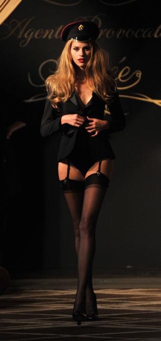 Spring 2010 Agent Provocateur fashion show